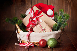 Dollar Stores to the Rescue: 10 Holiday Baskets Costing Just $10