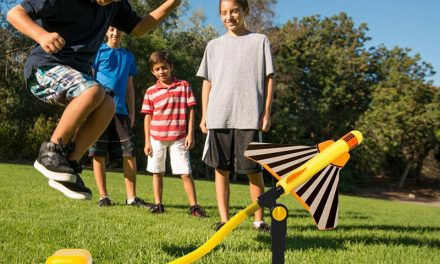 Random Stuff That Rocks: Stomp Rocket Stunt Planes