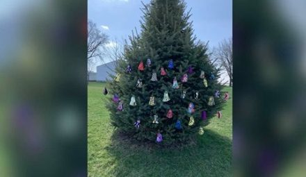 'Happy to Help': A Woman Is Sewing Masks and Hanging Them on a 'Giving Tree' for Anyone to Take