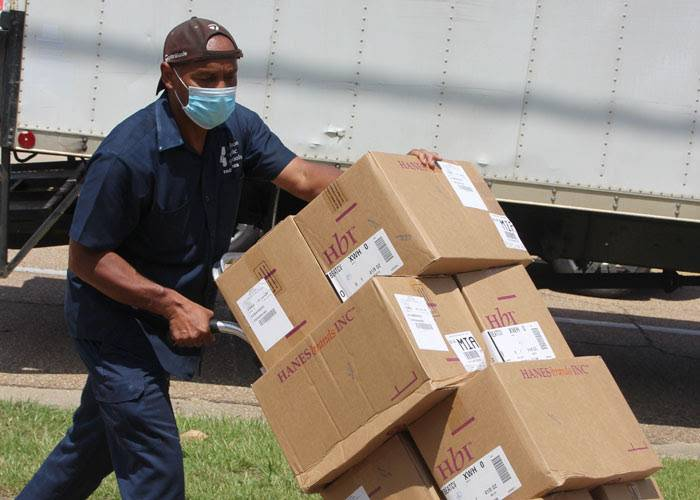 Mississippi Food Network Donates Masks to the MS Hub Network