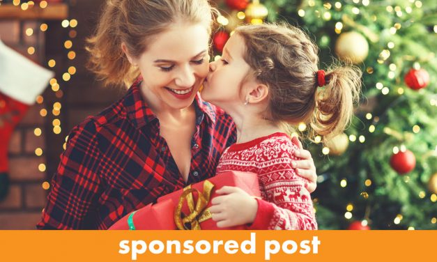 5 Mommy and Me Christmas Gifts for the New Mom